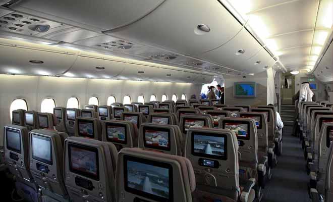 Embarquement pour la nouvelle z lande bord de l 39 avion a380 for A l interieur de l avion