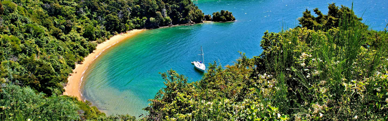 Le parc National d'Abel Tasman se trouve à la pointe nord de l'île du Sud, dans la région de Tasman.