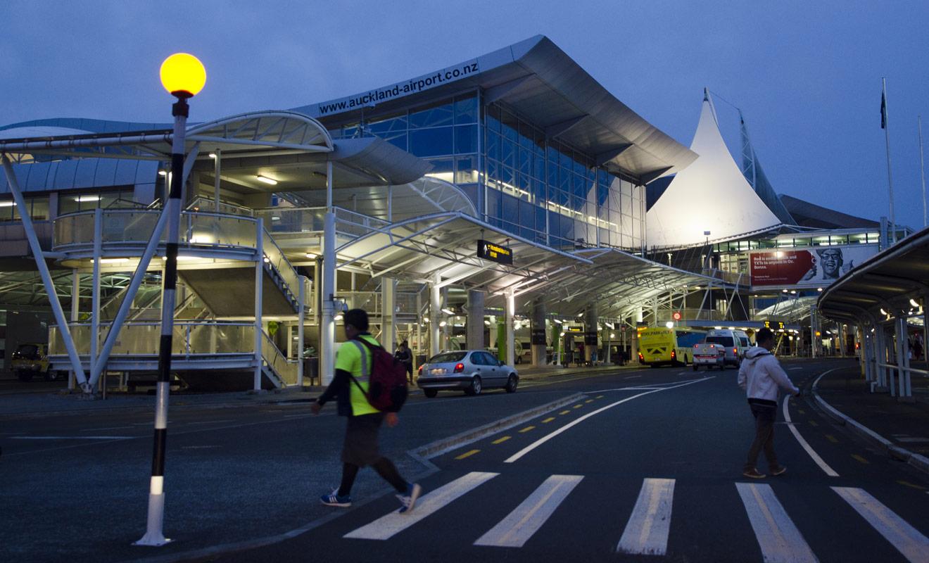 Auckland possède le principal aéroport de Nouvelle-Zélande où arrive l'immense majorité des voyageurs.
