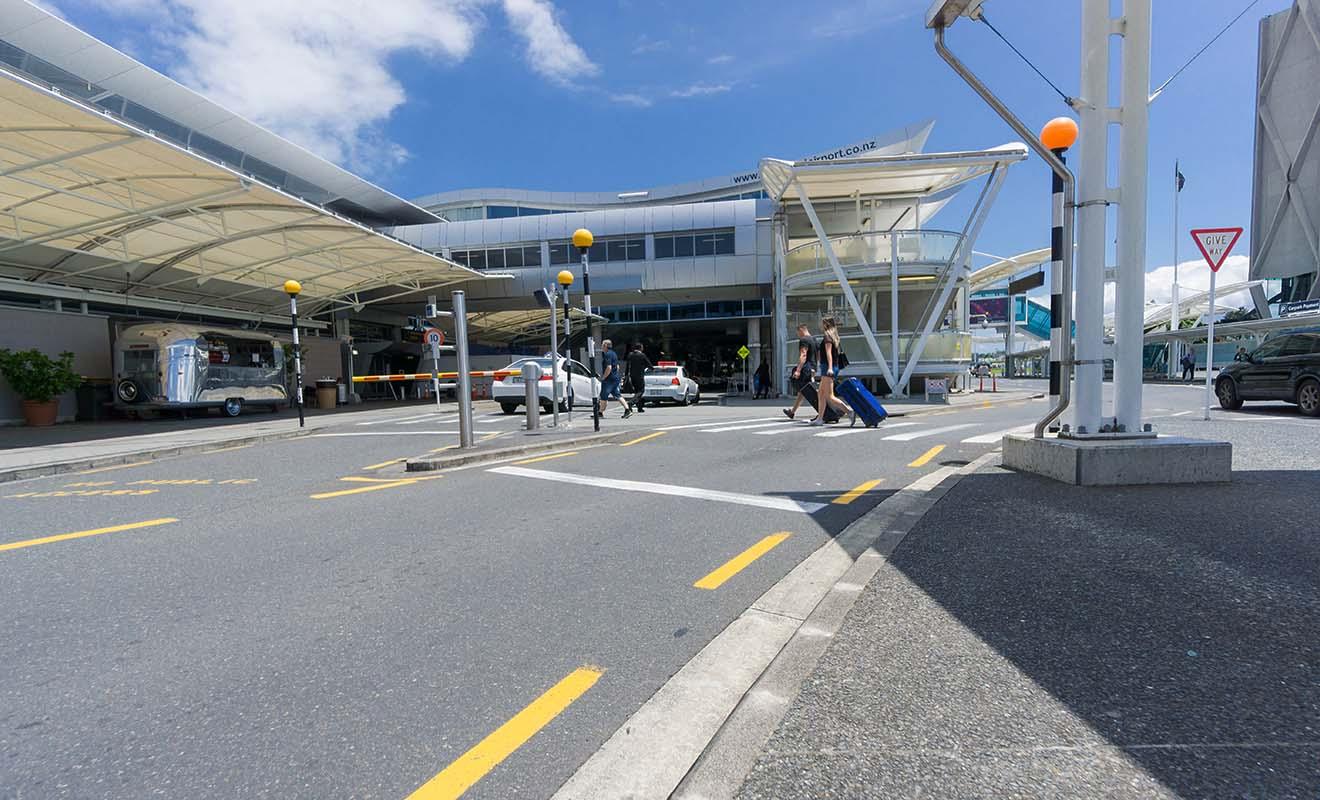 Ce ne sont pas tant les procédures à l'aéroport qui sont source de tensions pour les voyageurs, mais les trajets parfois compliqués pour s'y rendre.