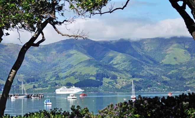 Il existe de nombreuses randonnées qui permettent de profiter de superbes points de vue sur la péninsule de banks.