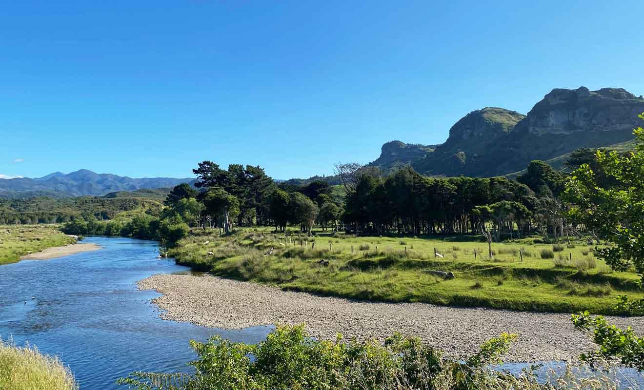 La route qui rejoint la rivière Anatori est l'une des plus belles de Nouvelle-Zélande.