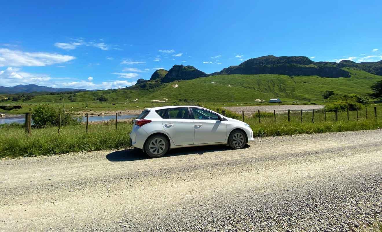 Gardez les yeux sur la route et garez-vous lorsque vous souhaitez prendre des photos.