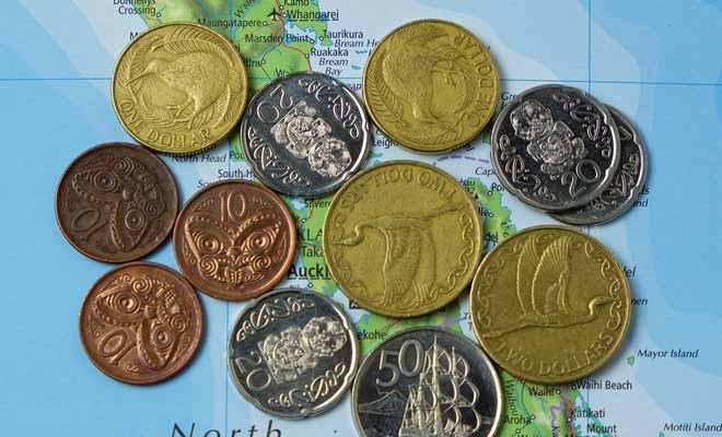 Vous ne pourrez pas faire grand-chose de vos pièces de monnaie néo-zélandaises à votre retour, alors autant les garder comme souvenir.