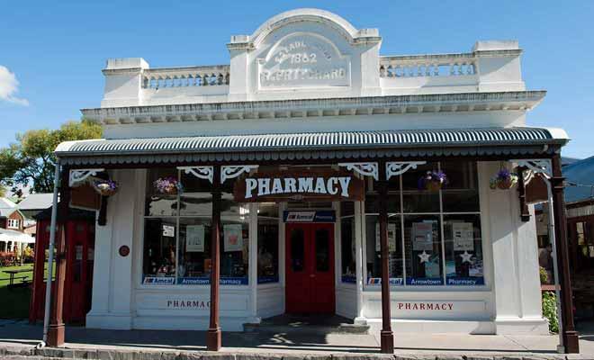 La pharmacie du village existe depuis la fondation de la ville en 1862.