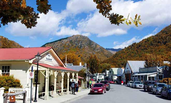 L'atmosphère du village est un peu plus détendue durant la basse saison.