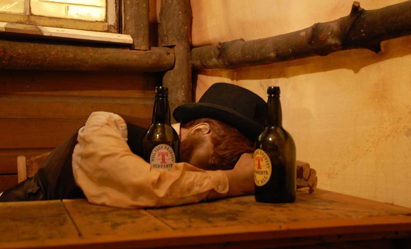 Compte tenu des conditions de vie très difficiles, les mineurs étaient souvent alcooliques.