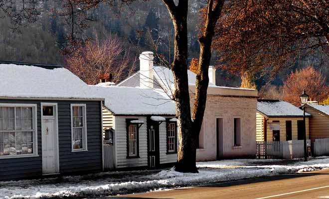 Le village est triste en hiver, sauf si la neige tombe !