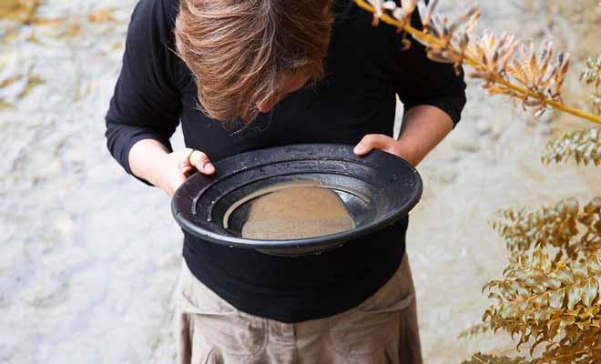 Vos chances de trouver de l'or dans la rivière Arrow sont extrêmement faibles, car elle a été fouillées par des professionnels durant plus d'un siècle.