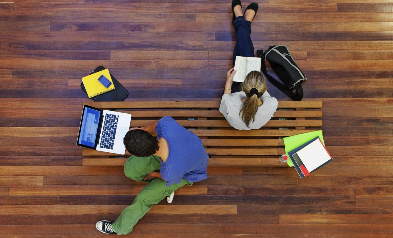 Si vous êtes encore étudiant, demandez à votre mutuelle française si elle peut vous couvrir durant votre Programme Vacances Travail.