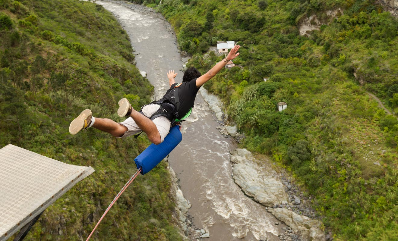 Le saut à l'élastique fait partit des sports à risque et n'est donc pas couvert par votre assurance. Les accidents sont très rares, mais réfléchissez bien avant de vous lancer.