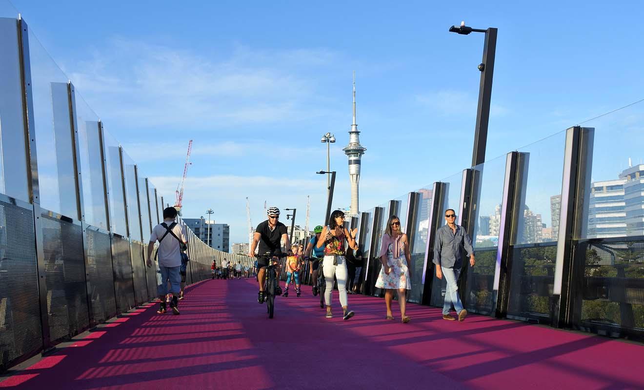 Si la qualité de vie est aussi bonne en Nouvelle-Zélande, c'est aussi parce que les villes ne sont jamais très loin de la nature, ou savent ménager des espaces de détente.