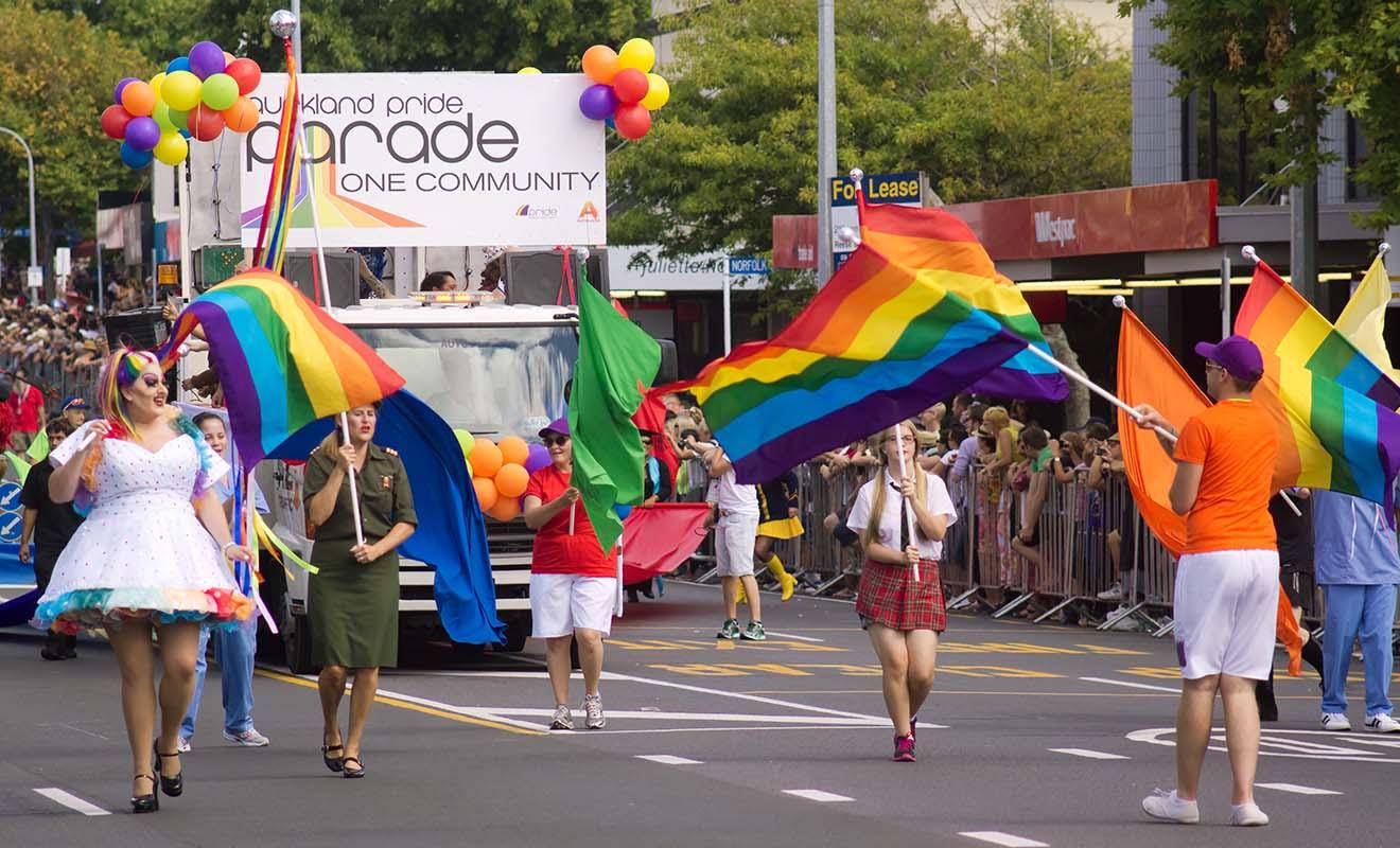 L'Auckland Pride Parade accueille notamment le défilé de la Gay Pride en février.