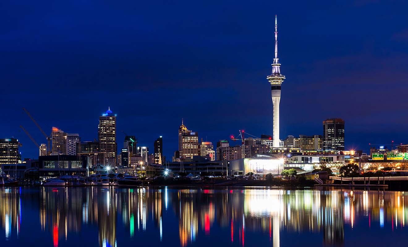 Contrairement à ce que la majorité des gens pensent, Oakland n'est pas la capitale de la Nouvelle-Zélande.C'est en réalité Wellington qui joue ce rôle, même si la ville est de dimensions plus modestes.