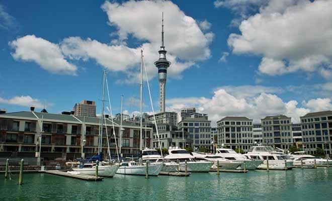 Westhaven Marina dispose de 2000 places, mais on compte près de 135.000 navires, bateaux et voiliers amarrés dans la région d'Auckland.
