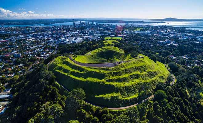 La Nouvelle-Zélande s'est modernisée sans renier son passé et ses traditions.