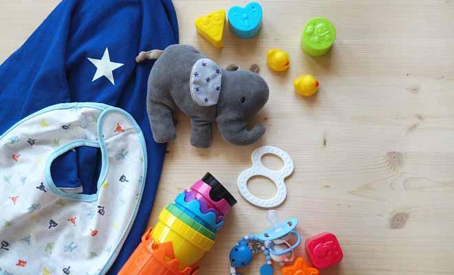 Les jouets mous ne font pas de bruit, ce qui risque de frustrer votre enfant, mais évitera aux autres passagers de vivre un enfer.