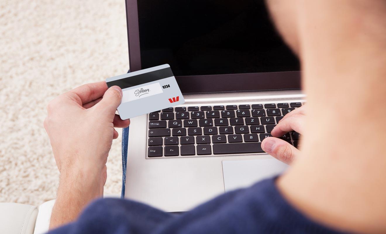 Si vous comptez réserver vos hébergements par Internet ou par téléphone, il vous faut une carte débit au minimum et non une EFTPOS qui est plus limitée.