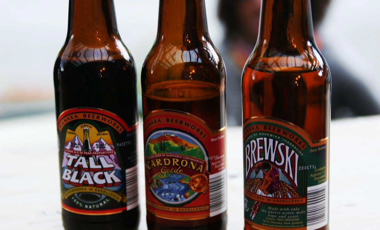 Chaque région de Nouvelle-Zélande brasse ses propres bières. La Tall Black, la Cardrona ou encore la Brewski, sont les plus appréciées des amateurs.