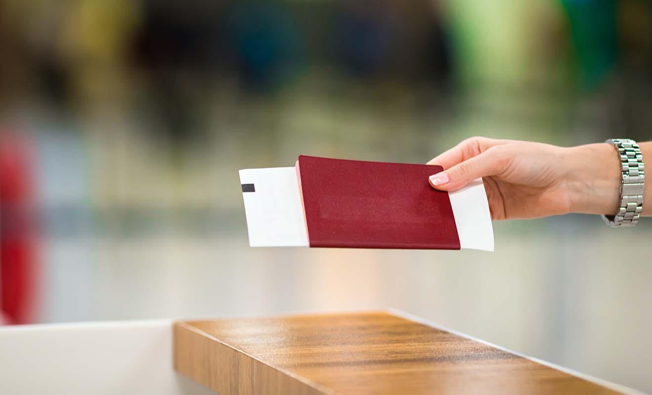 Conservez votre Passenger Arrival Card et remettez là aux douaniers avec votre passeport.