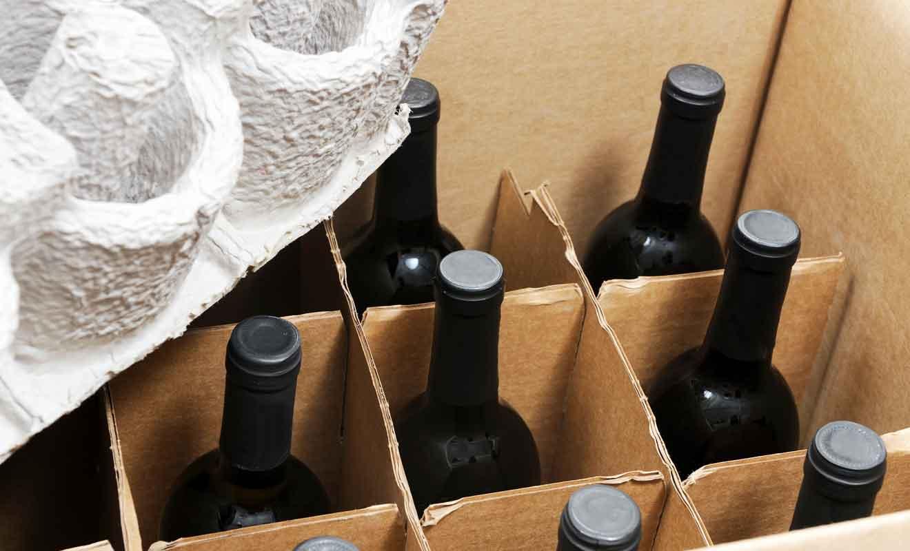 L'achat de bouteilles par correspondance coûte très cher et ne s'adresse qu'à une clientèle fortunée.