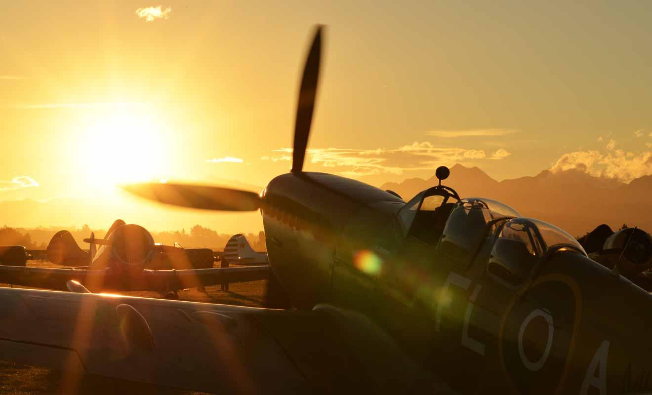 Réalisez un rêve d'enfant et faites un tour à bord d'un Yakovlev Yak-3, un avion de combat de la Seconde Guerre mondiale.