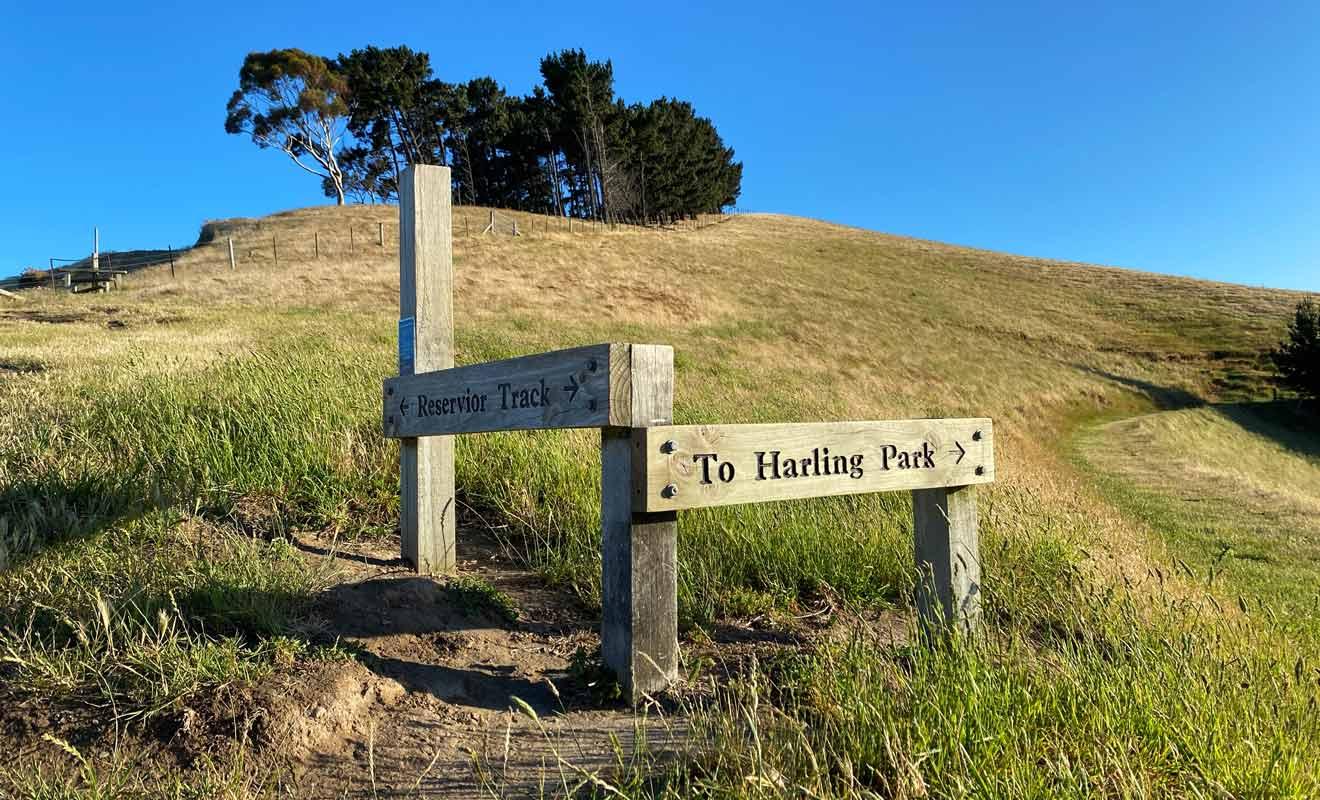 Il est possible de rejoindre Harling Park et le Rotary Lookout, mais les points de vue de cet itinéraire sont moins beaux.