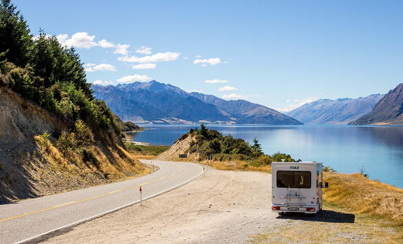 Le camping-car permet de circuler dans tout le pays sans devoir louer des chambres d'hôtel.