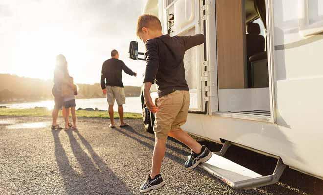 Si le camping-car plaît autant aux enfants, c'est parce qu'il permet de conserver une routine familière sans bousculer ses habitudes.
