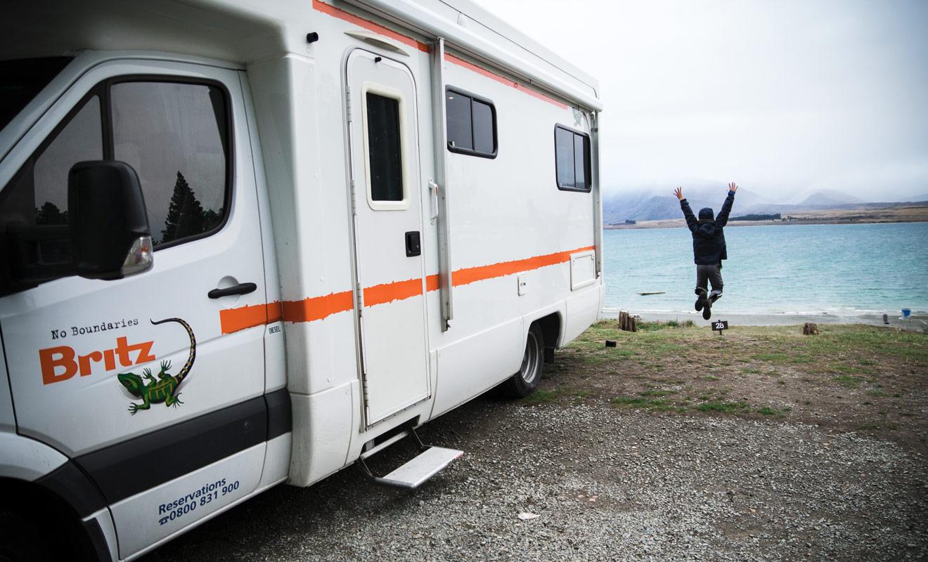 Pour réussir un séjour en camping-car, Kiwipal vous recommande de varier les plaisirs en faisant l'expérience de différents types de camping (gratuits, payants, chez l'habitant...).