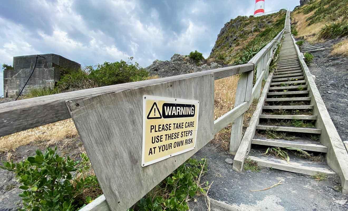 Ne vous lancez pas dans l'ascension si vous avez le vertige, même s'il y a une rampe pour se tenir.