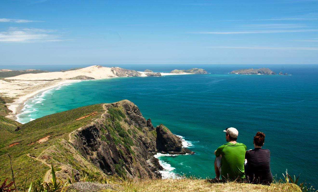 La visite du Cap Maria Van Diemen ajoute deux heures de route, ce qui décourage la majorité des voyageurs. Et pourtant, le panorama justifie largement l'effort.