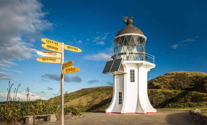 Inaugurée en 2011, la piste de Te Araroa Trail part du Cap Reinga à la pointe nord et traverse toute la Nouvelle-Zélande sur près de 3000 km. C'est l'une des plus longues randonnées du monde.