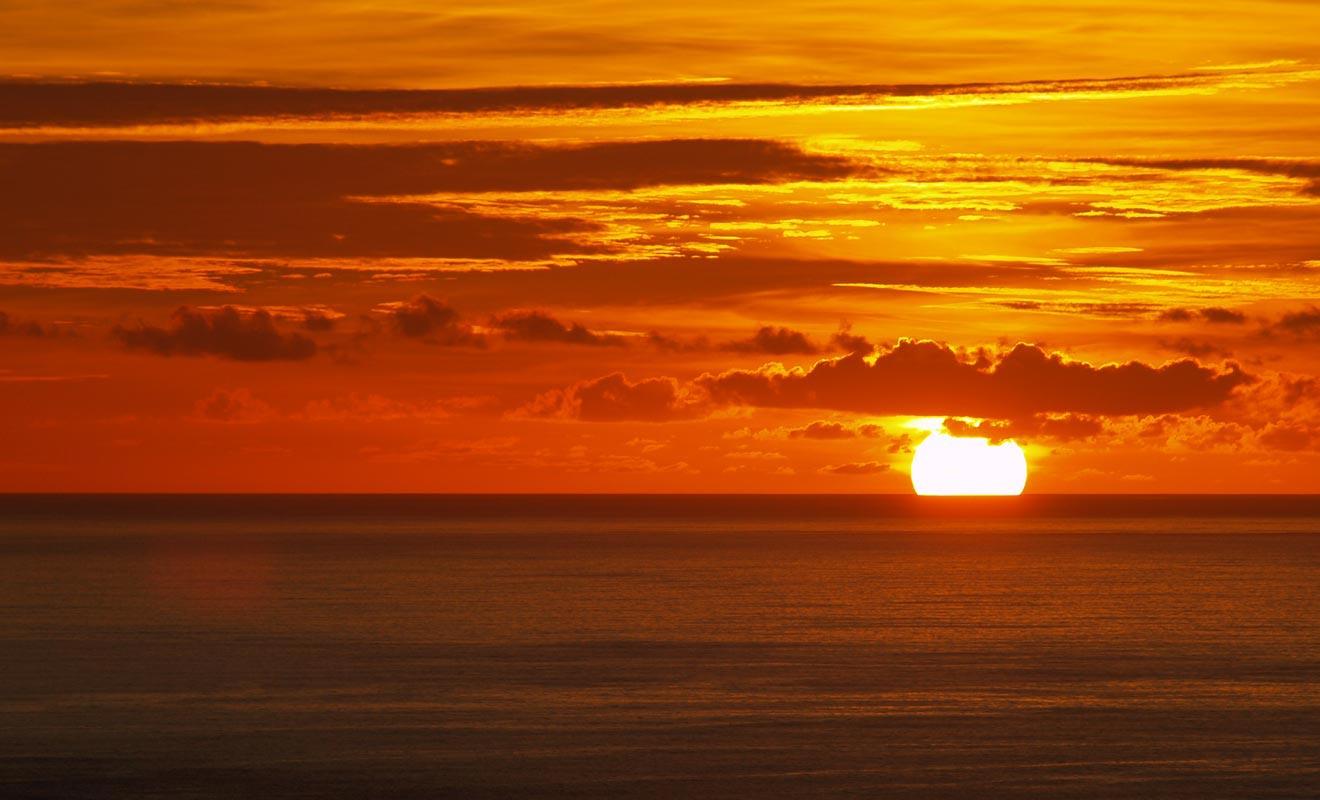 Le coucher de soleil du cap est légendaire, mais il faut passer la nuit sur place pour profiter de cet instant magique.