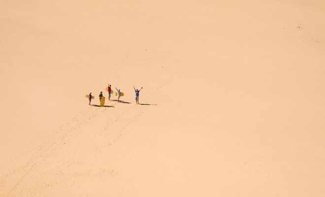 La Nouvelle-Zélande est tout sauf un pays désertique, mais on trouve cependant de grandes dunes à la pointe Nord. Encore un exemple de la variété des paysages du pays.