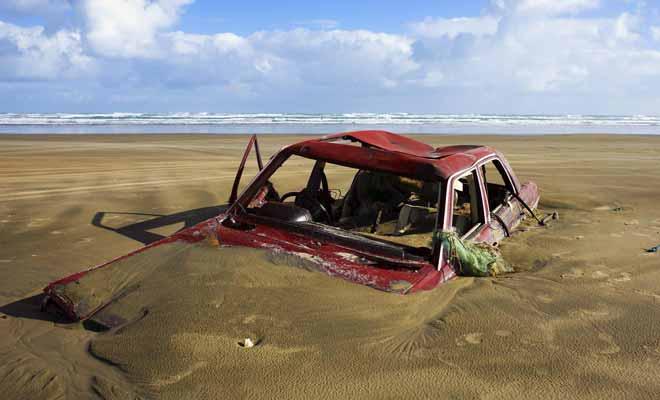 Conduire un véhicule inadapté ou s'approcher trop prêt du rivage peut avoir des conséquences désastreuses pour la suite de vos vacances...