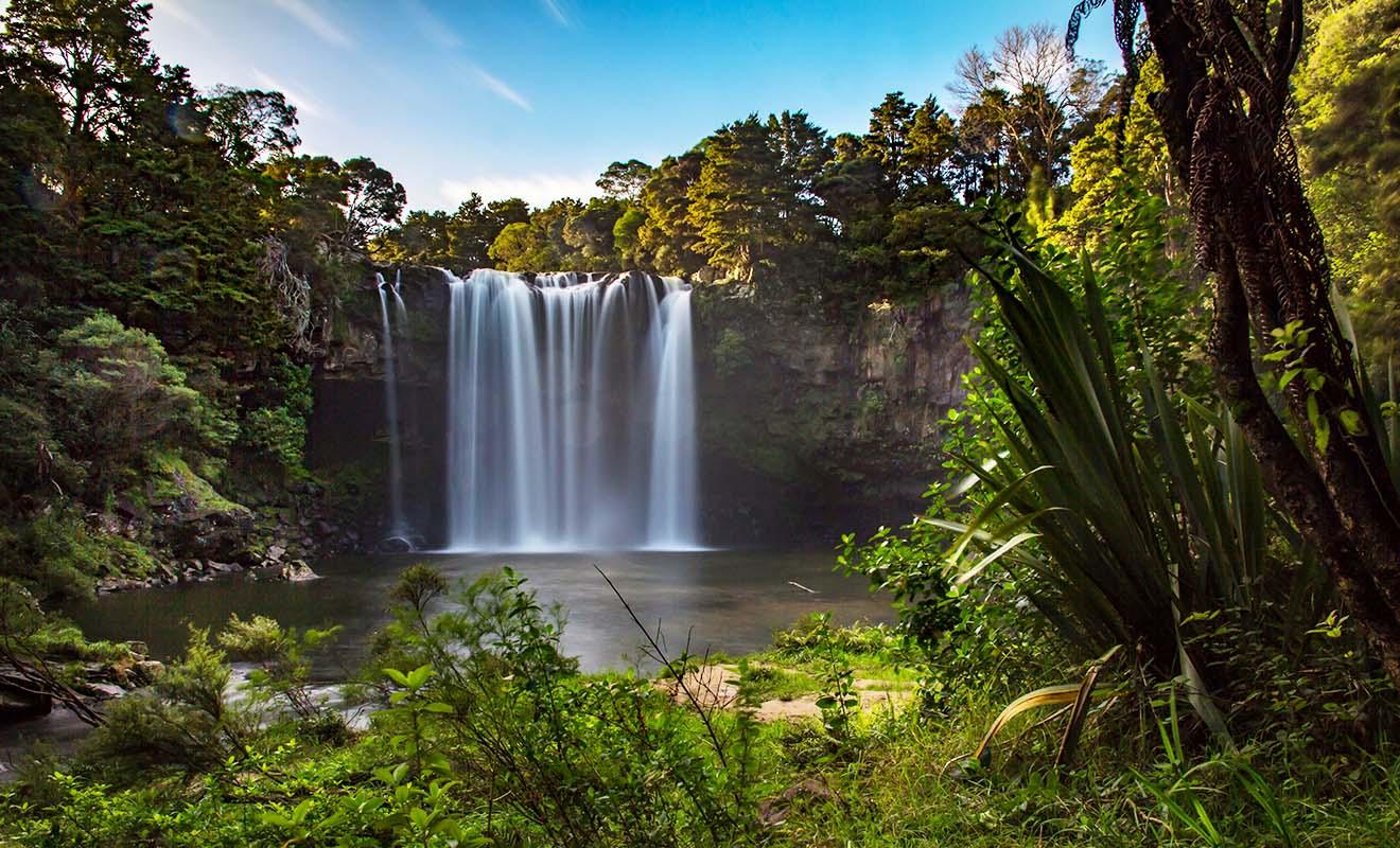 En matière de paysage, la Nouvelle-Zélande n'a pas à rougir de la comparaison avec l'île du Sud. Il y a à peu près autant de merveilles de part et d'autre.