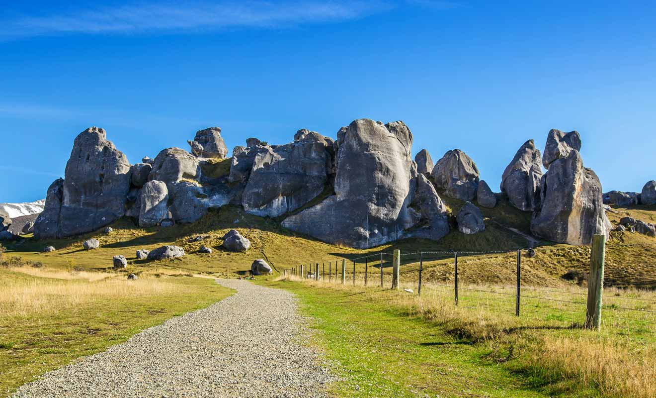Les rochers au sommet de la colline sont particulièrement photogéniques.