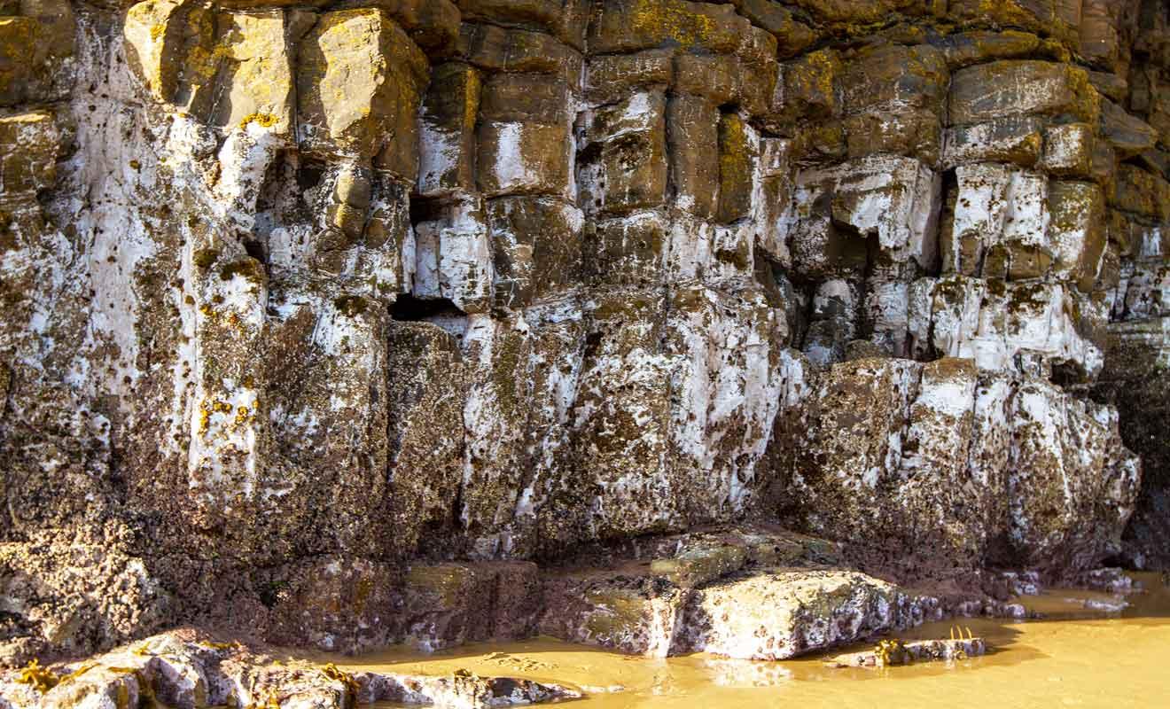 Les différentes strates sont parfaitement visibles et permettent de remonter dans le temps.