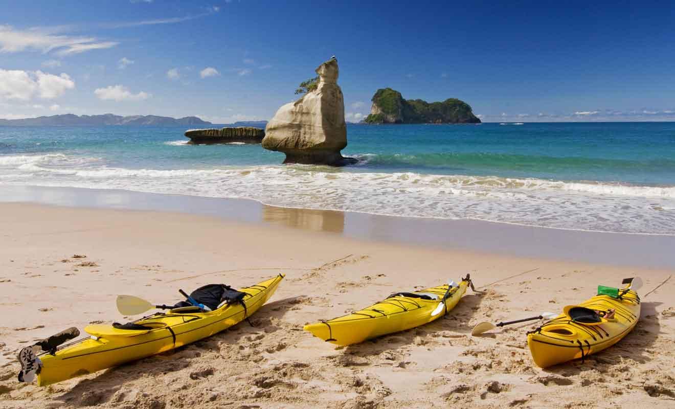 Les sorties en kayak sont encadrées par un moniteur qui connaît la région comme sa poche.