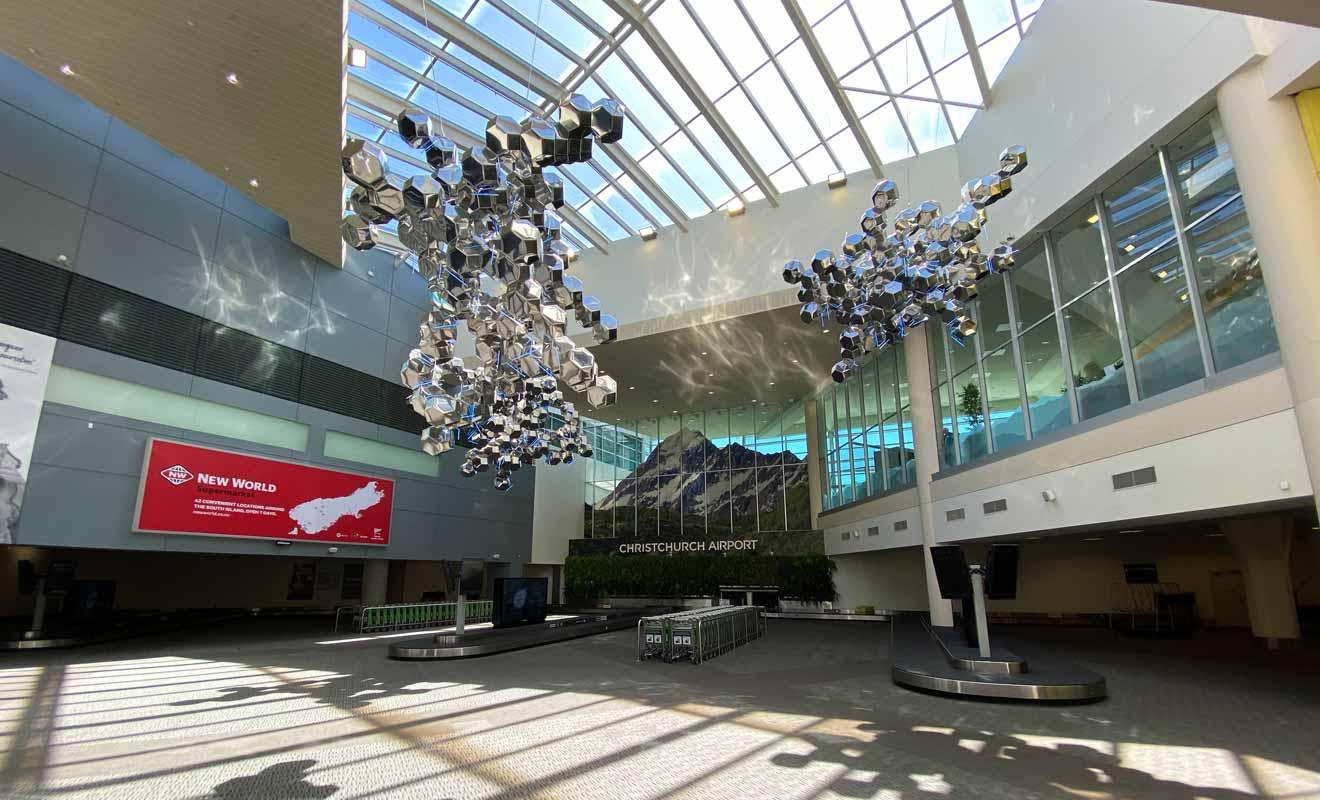 Christchurch possède le second plus grand aéroport du pays avec 7 millions de voyageurs en transit chaque année.