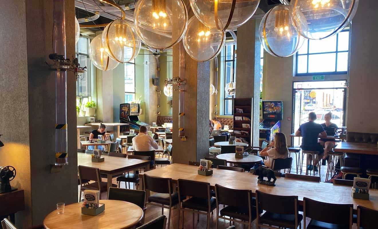 Il est d'usage de commander au bar comme dans la plupart des restaurants en Nouvelle-Zélande.
