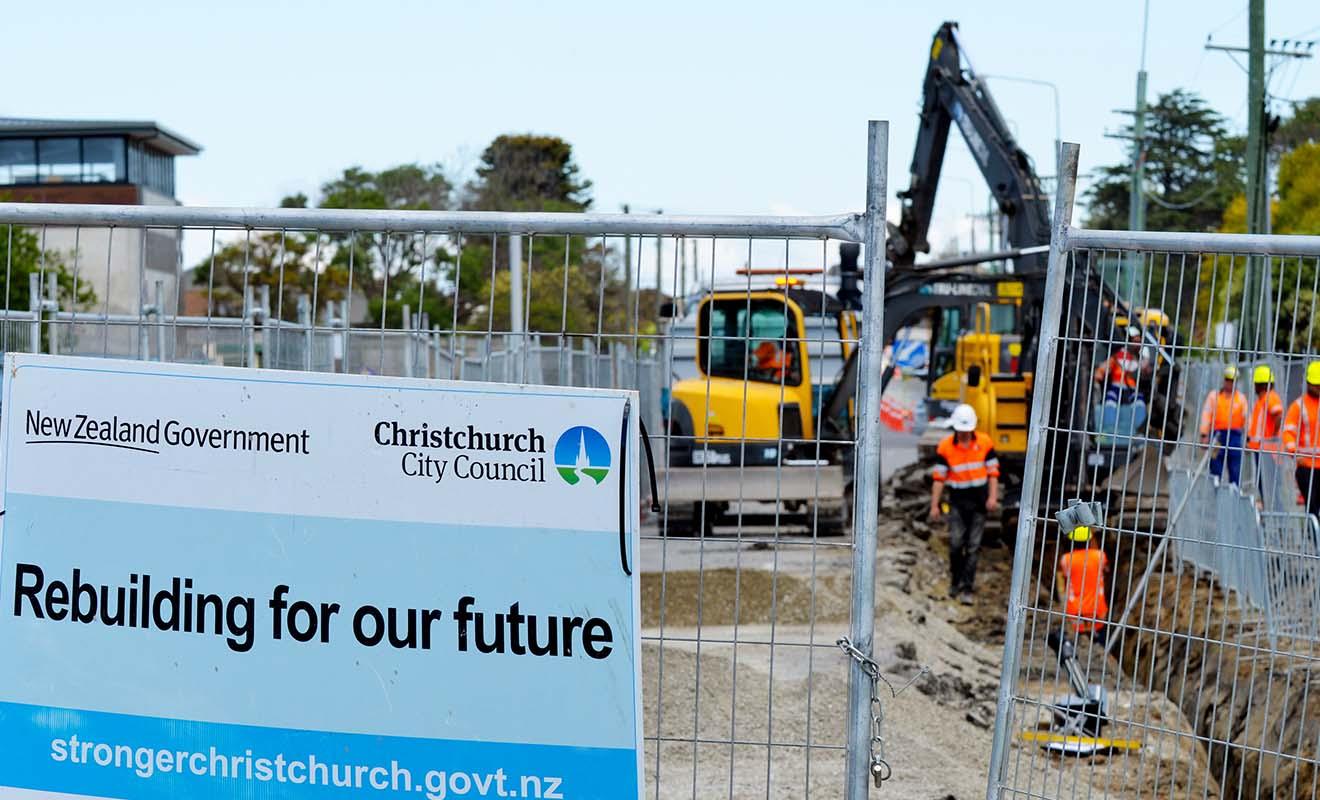 Christchurch restera un chantier à ciel ouvert pendant de nombreuses années encore, mais les Néo-Zélandais travaillent dur pour reconstruire la ville.