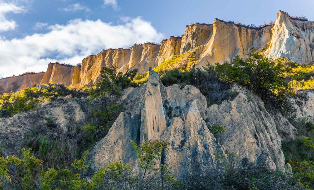 Il suffit d'une promenade de dix minutes pour rejoindre les Clay Cliffs.