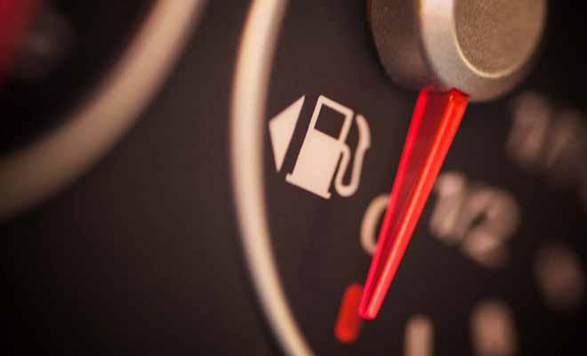 N'oubliez jamais de faire le plein de carburant avant une étape importante, car si vous tombez en panne d'essence, il faudra parfois attendre longtemps pour bénéficier des secours.