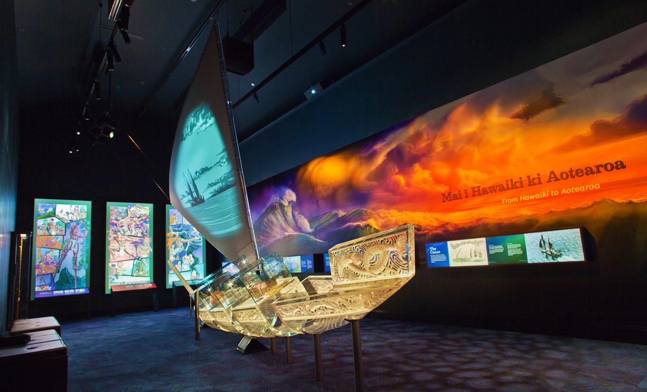 La culture maorie est très bien expliquée dans les musées, mais vous aurez l'occasion de la découvrir avec des guides de randonnée ou des moniteurs de kayak qui aiment partager l'histoire de leur pays.