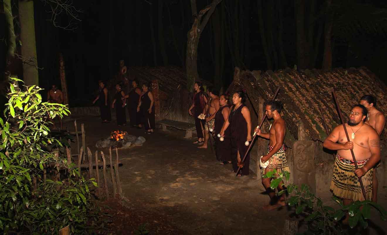 Les spectacles maoris relèvent hélas plus souvent du folklore...