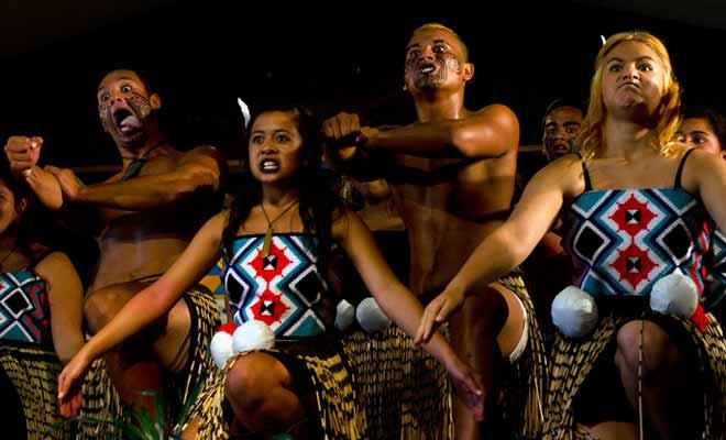Les spectacles Maoris sont peut-être trop formatés pour le grand public et ils ne sont pas incontournables si vous prenez le temps de visiter un grand musée comme le Te Papa de Wellington.