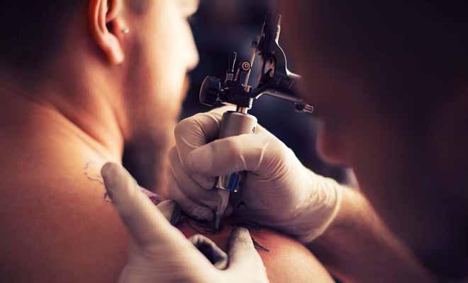 Les tatouages maori sont très connus,mais il faut prendre rendez-vous, et avoir du temps libre pour que le tatoueur puisse finir son travail.