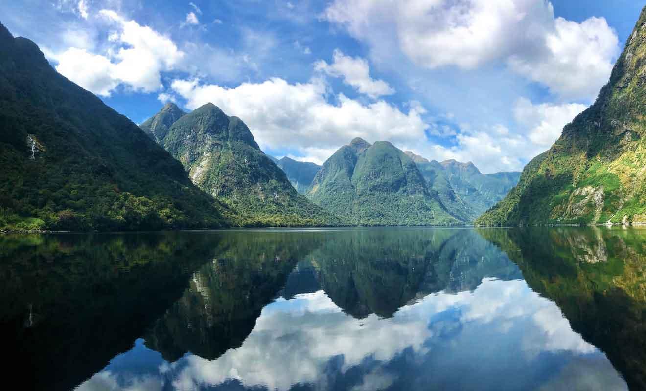 En revanche, ce fjord impose une excursion à la journée avec une traversée en bateau sur le lac Manapouri.
